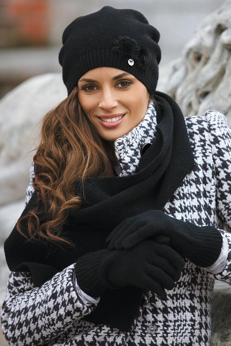 Женская шапка Abella Black от Kamea