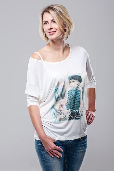 Женская футболка Vendy